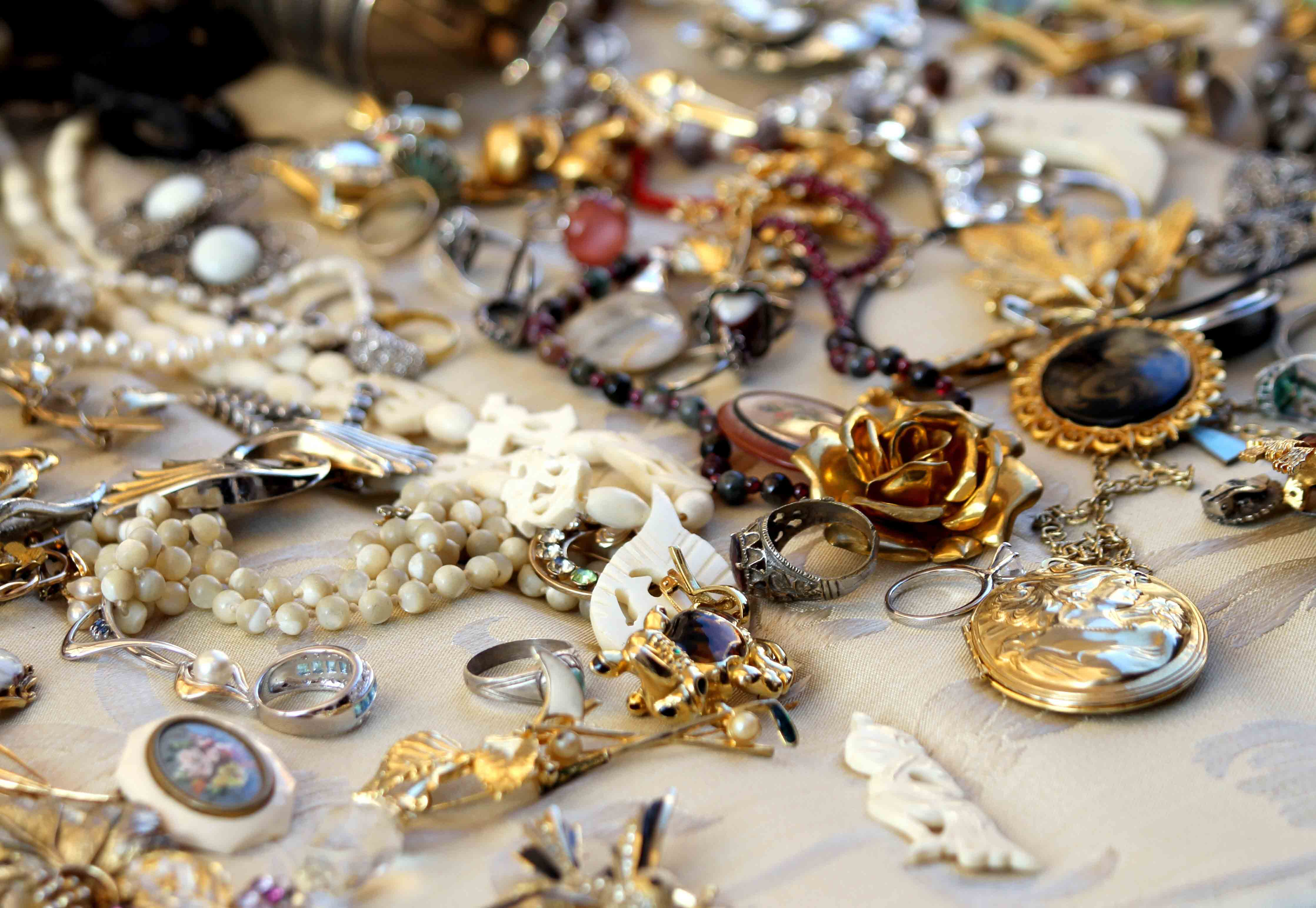 Prom Jewelry Pieces Our 10 Favorite Picks for Prom