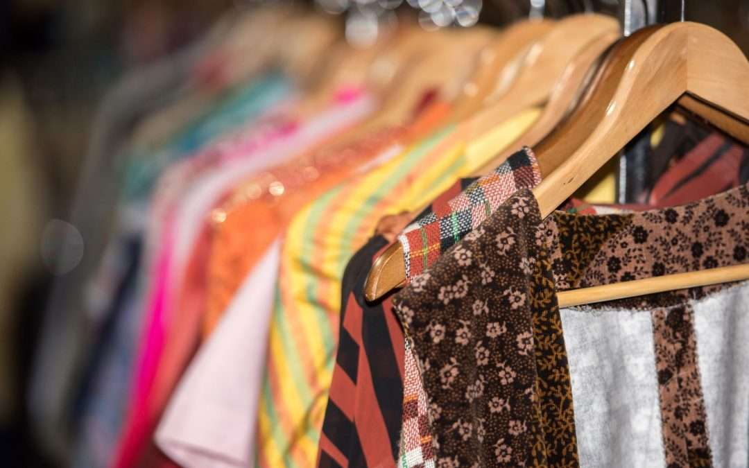 Why Vintage Clothing Is the Best: 6 Reasons to Buy Vintage Clothing